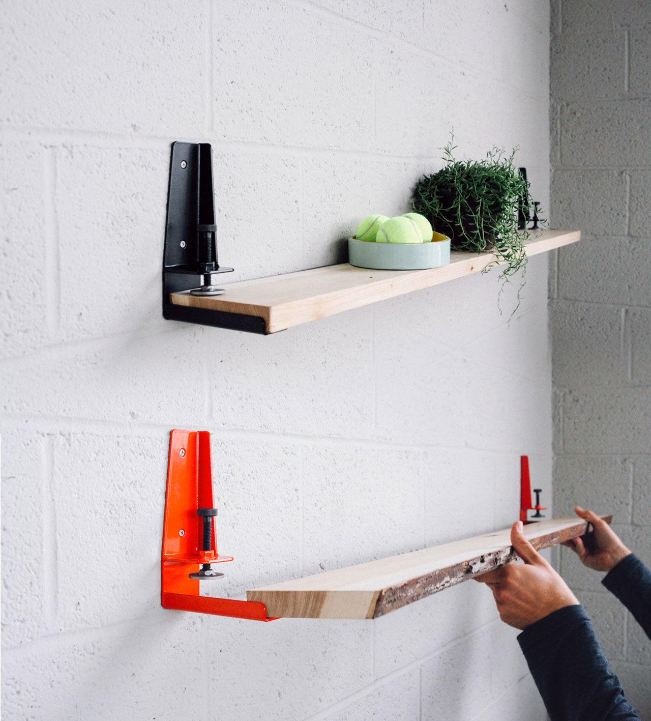Skruva fast plankan på väggen Ta in lite verkstad i lägenheten Tjock Hemmet