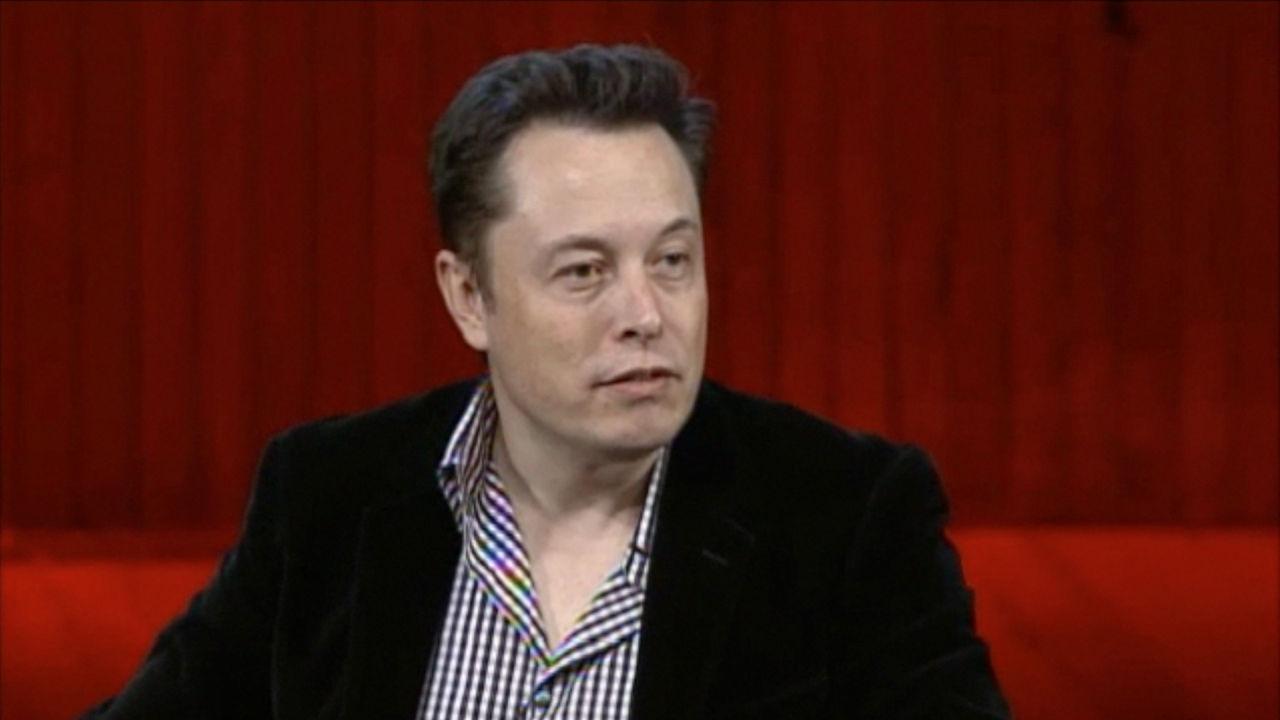 Elon Musk varnar för artificiell intelligens