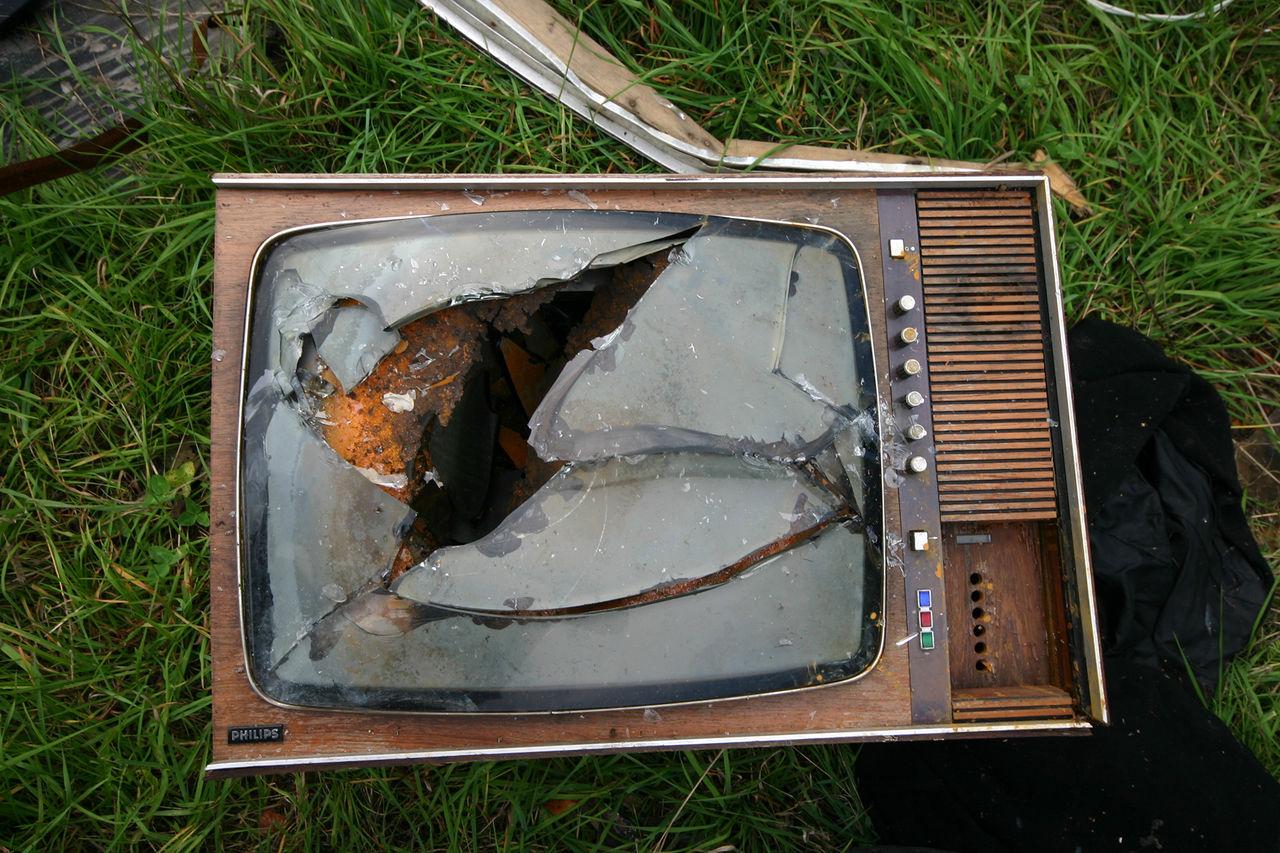 Nu flyr tittarna från svenska TV-bolagen