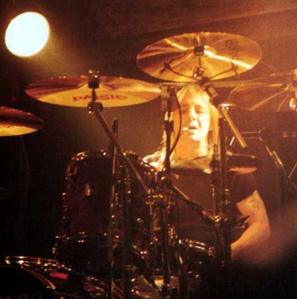 AC/DC:s trummis gripen för mordplaner