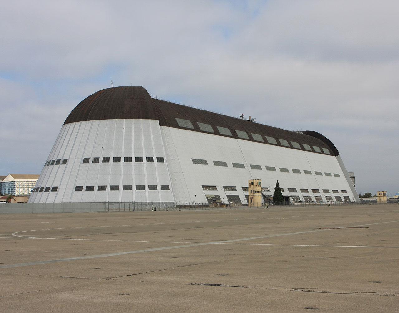 Google hyr flygfält av NASA