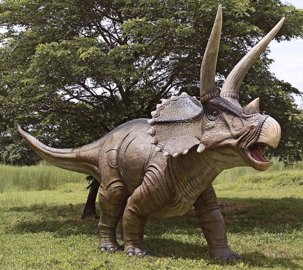 En dinosaurie till trädgården