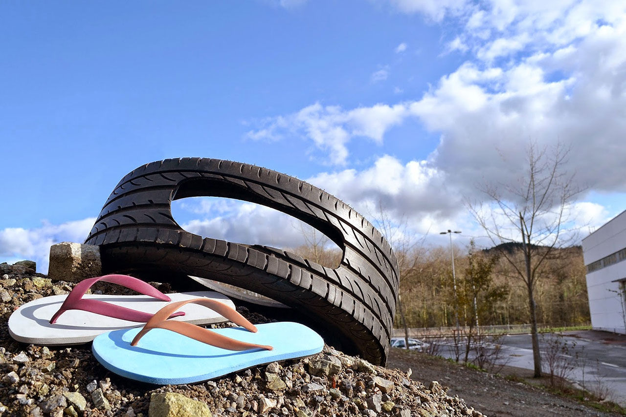 Flip-flops av gamla bildäck