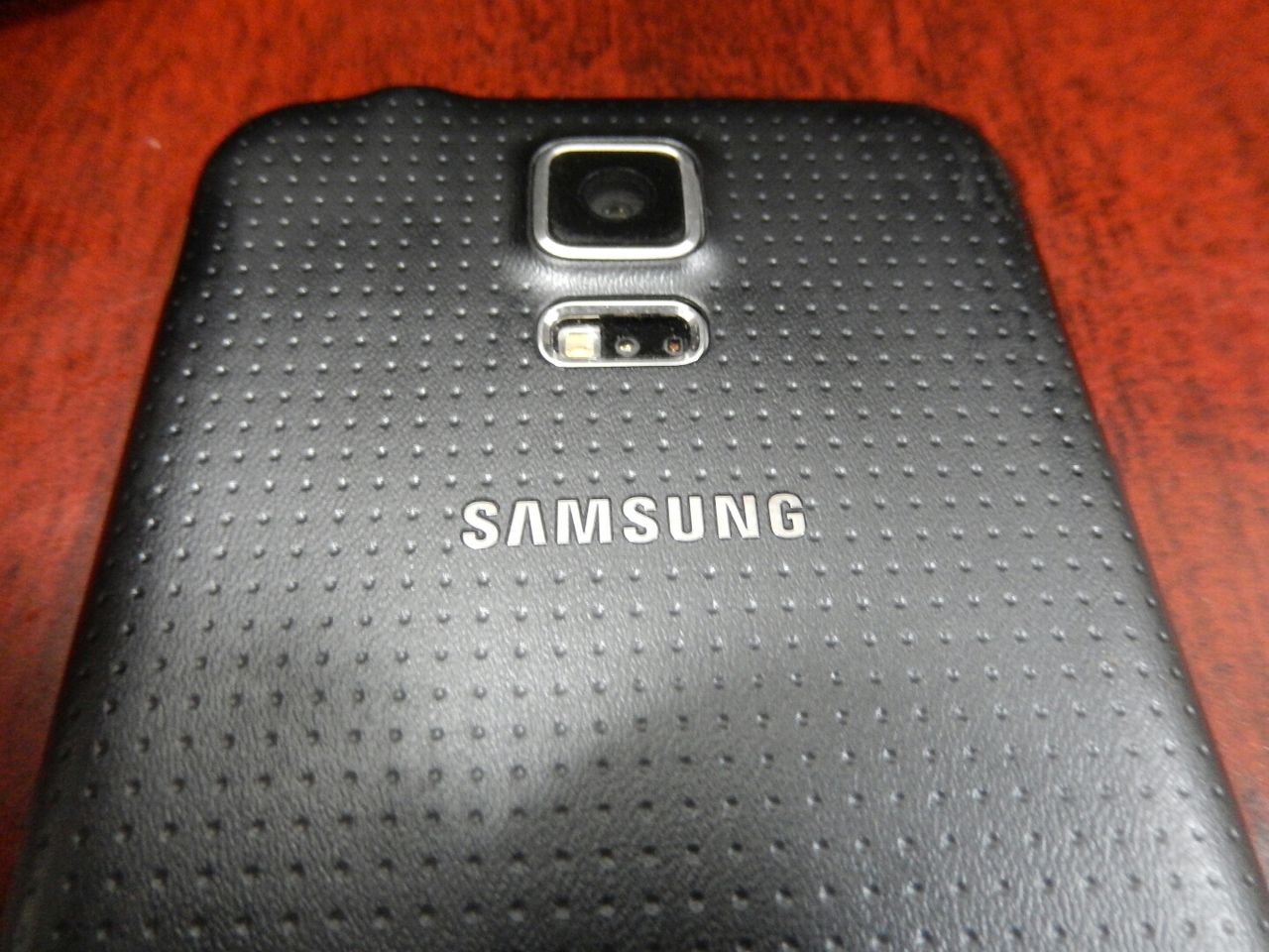 Inget utbytbart batteri i Galaxy S6?