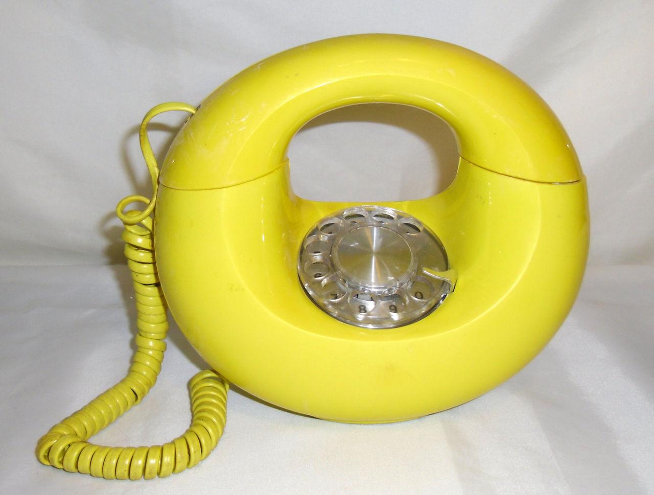 Norge behåller sitt fasta telefonnät tills vidare