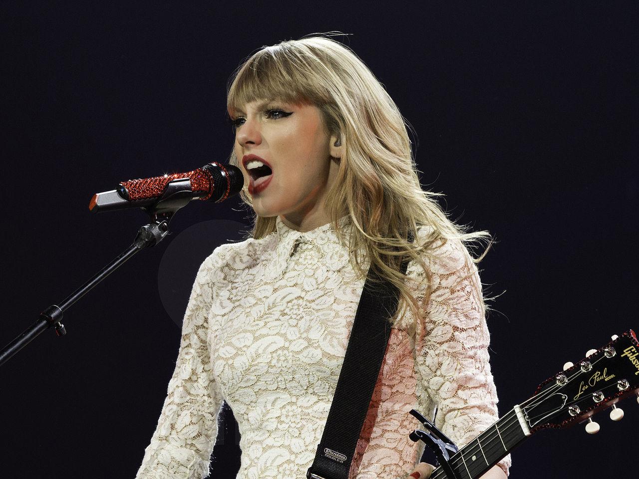 Taylor Swift varumärkesskyddar låtfraser