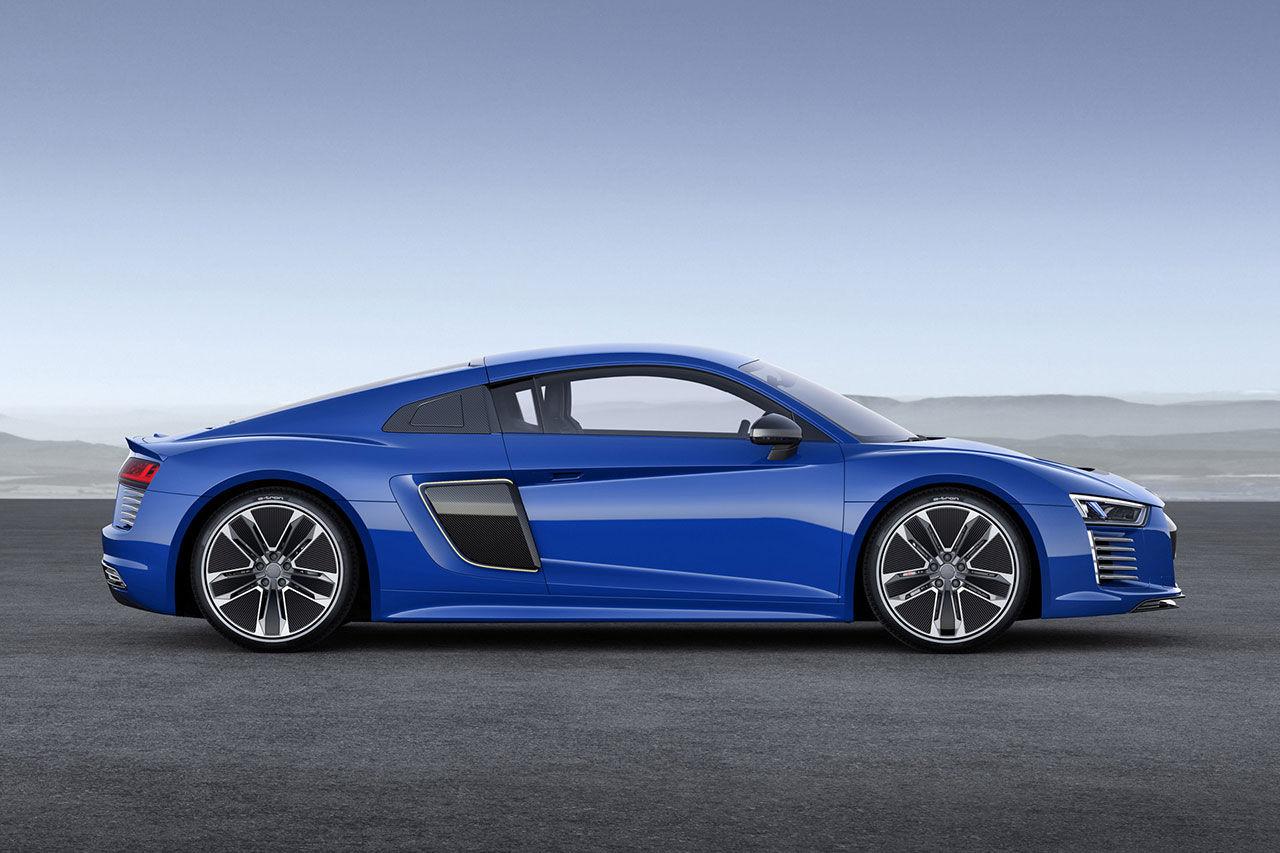 Bilder på helt eldrivna Audi R8 e-tron