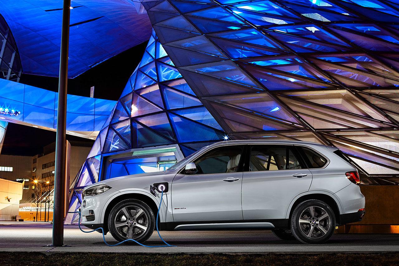 BMW presenterar X5 xDrive40e plug-in hybrid
