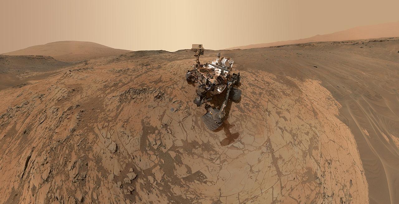 Curiosity har hittat spår av flytande vatten på Mars