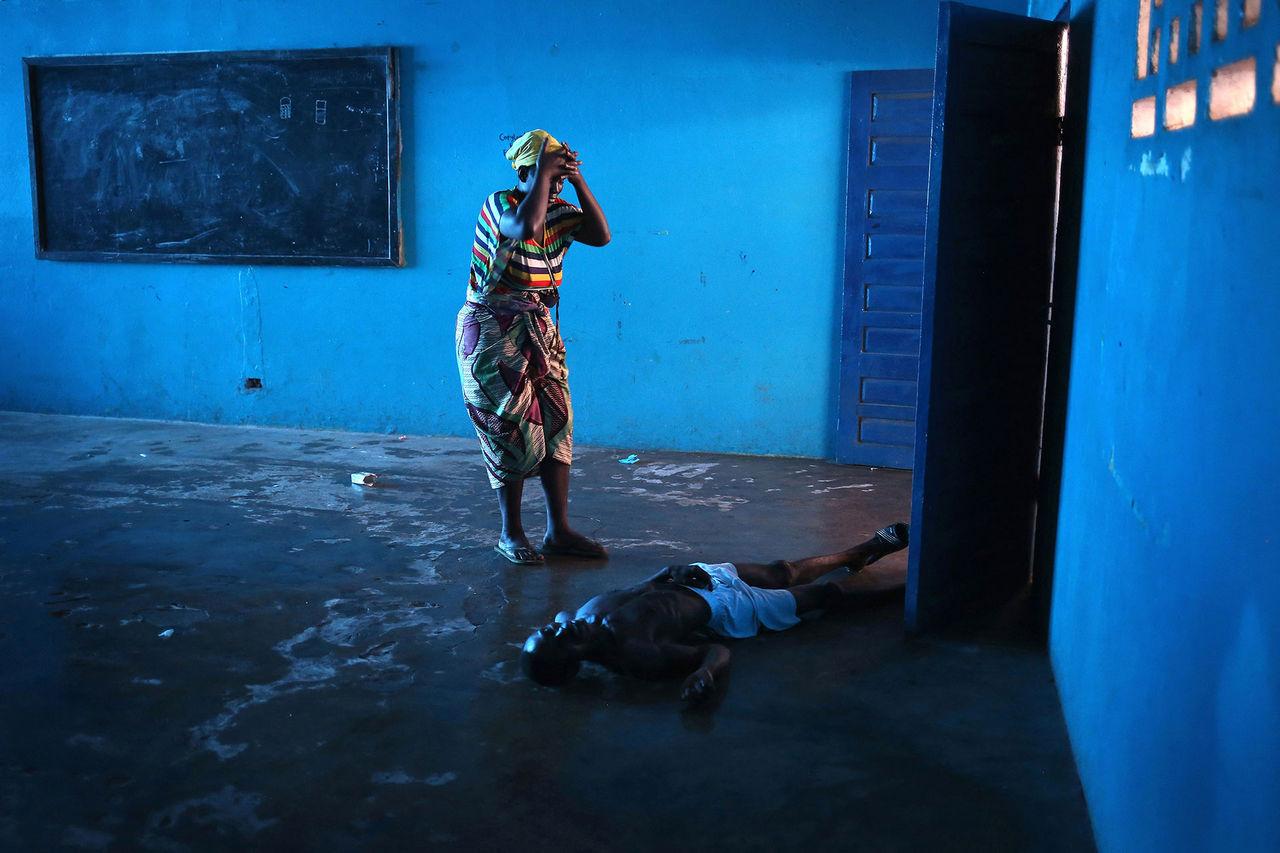 Ebolabilder fick förstapris i Sony World Photography Awards