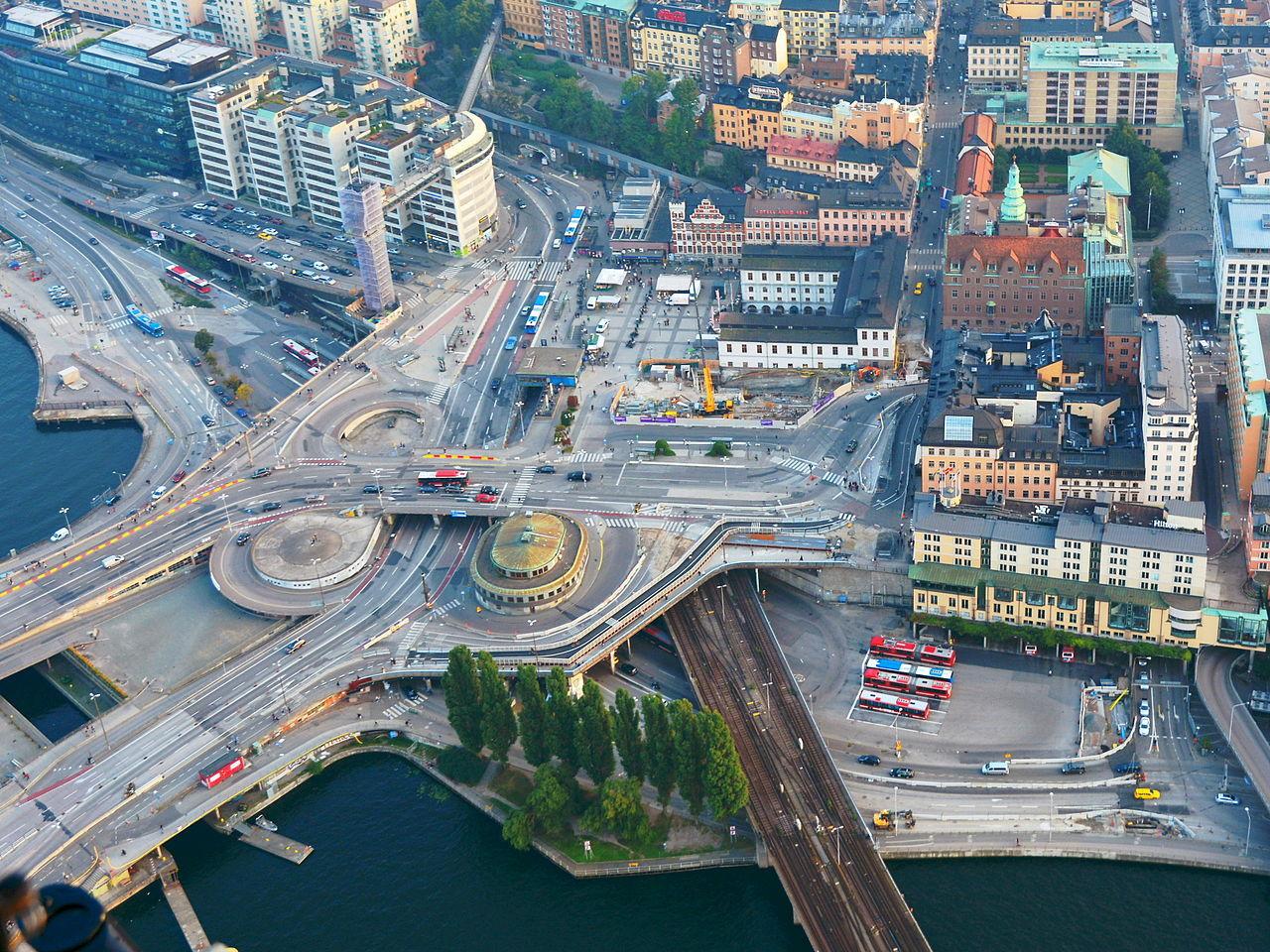 Drönare stänger luftrummet över Stockholm