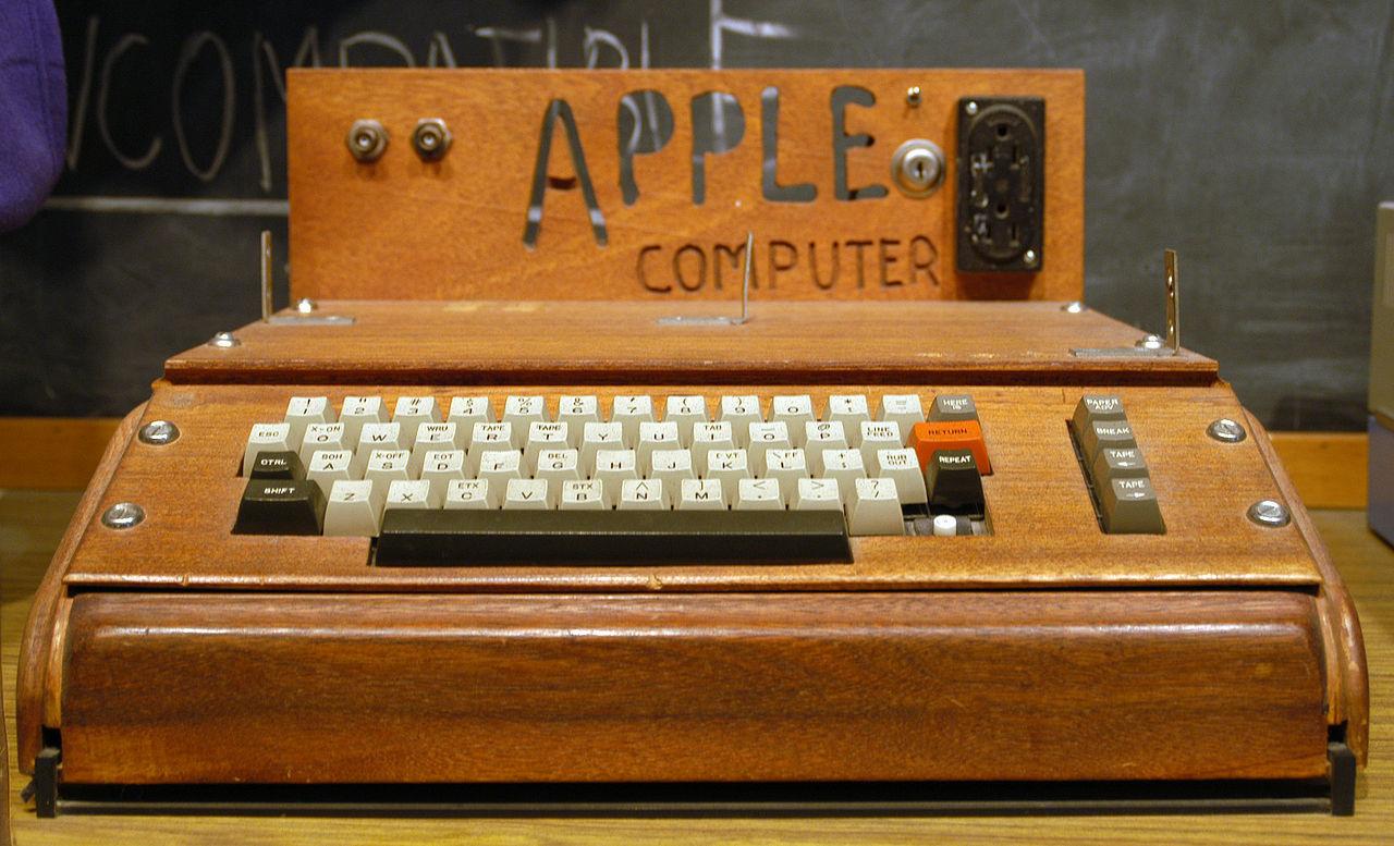 Äldre kvinna slängde en Apple-dator värd tusentals dollar