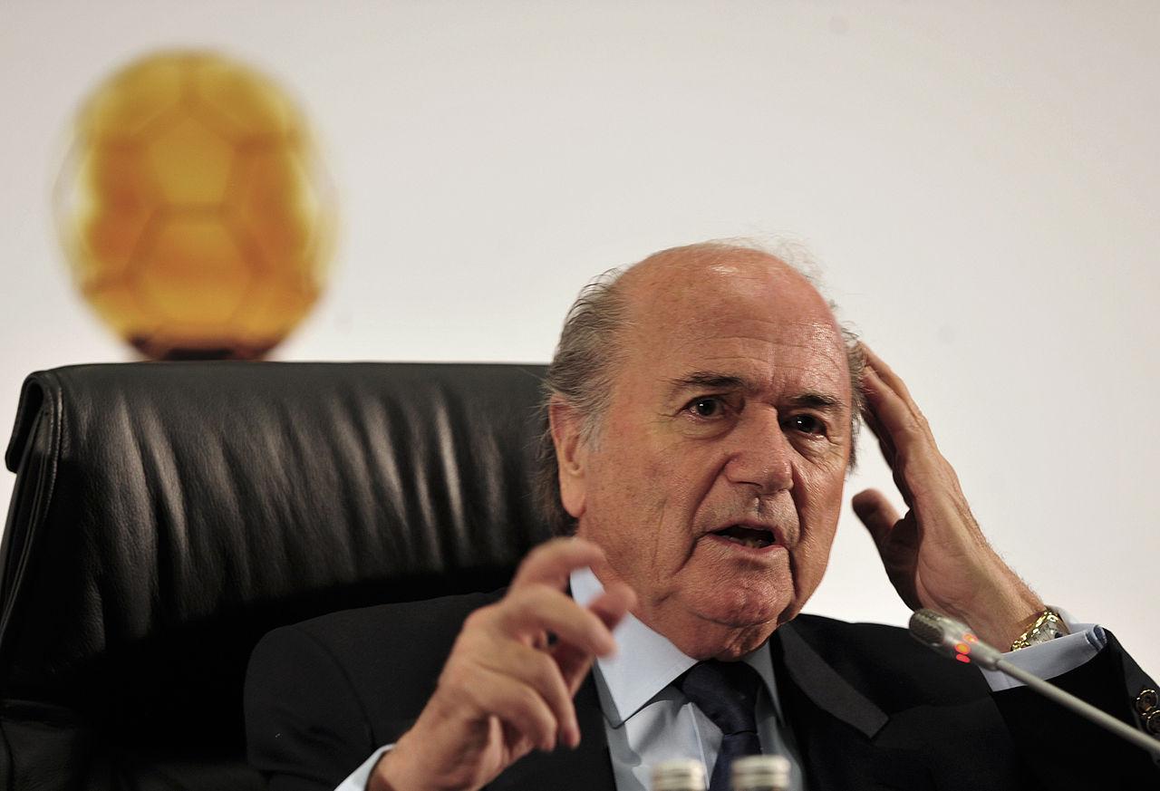 Blatter lämnar FIFA