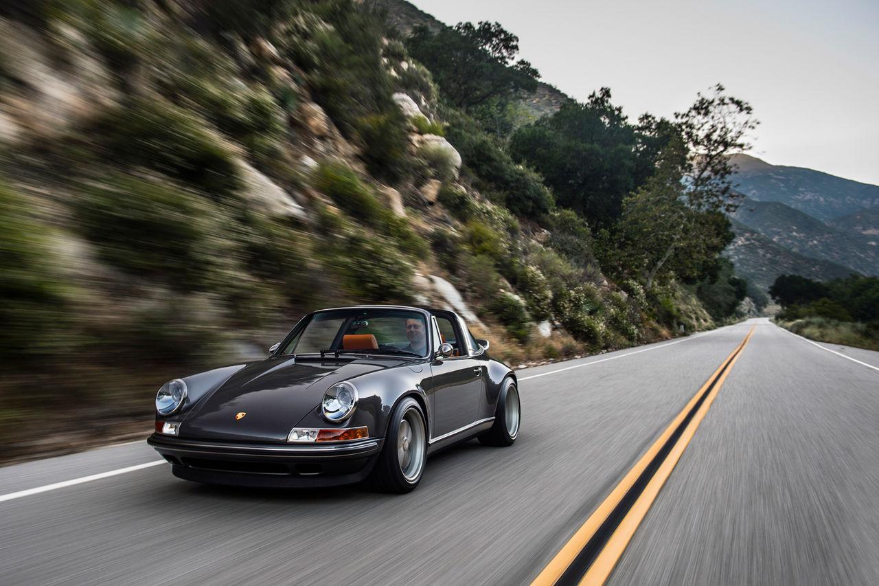 Singer har renoverat deras första Porsche 911 Targa