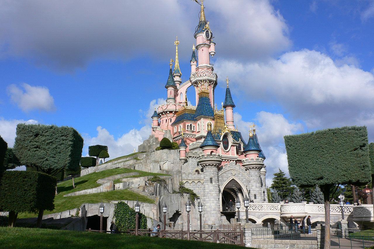 Disney bannlyser självispinnar på sina nöjesfält