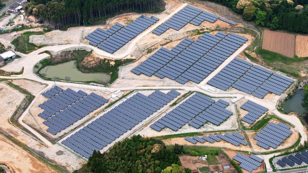 Japan bygger solcells-farmar på övergivna golfbanor