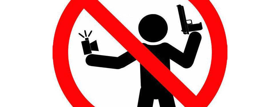 Snubbe sköt sig själv när han skulle ta en selfie med en pistol