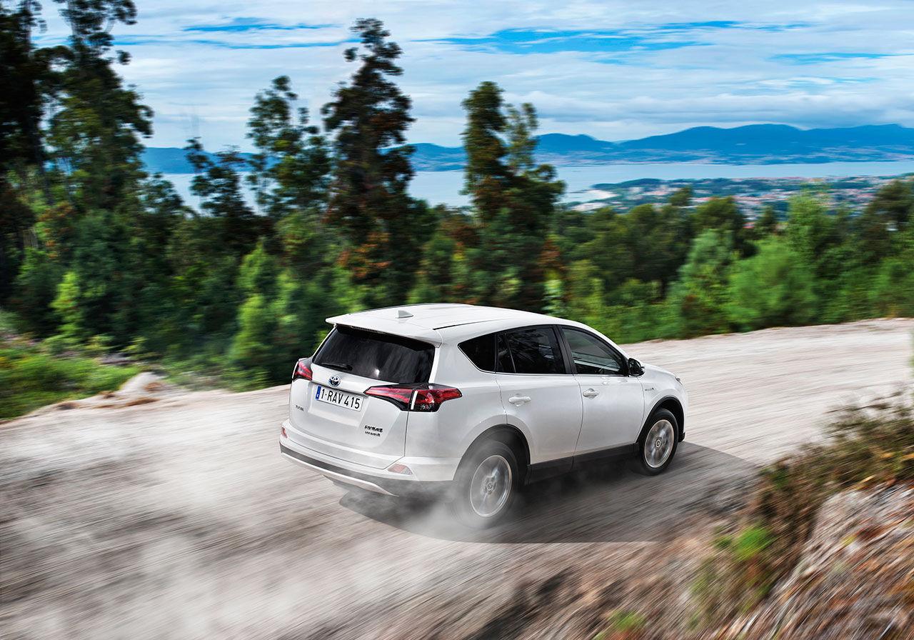 Toyota visar Rav4 som hybrid