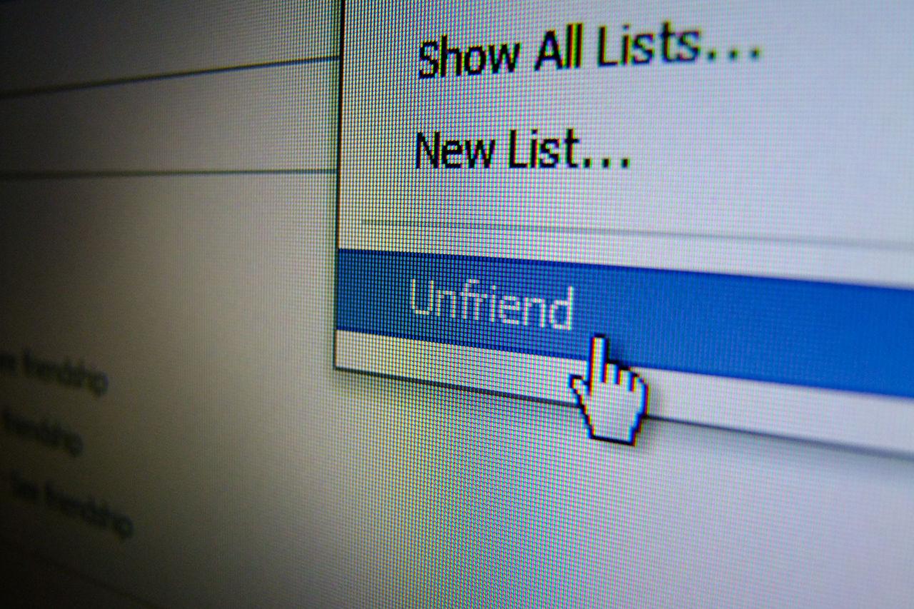 Vänborttagning på Facebook kan vara mobbning
