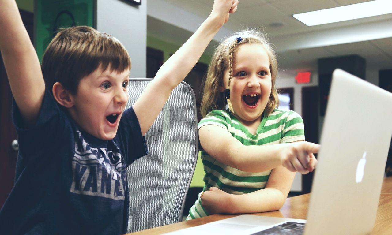 Regeringen vill få in programmering i grundskolan