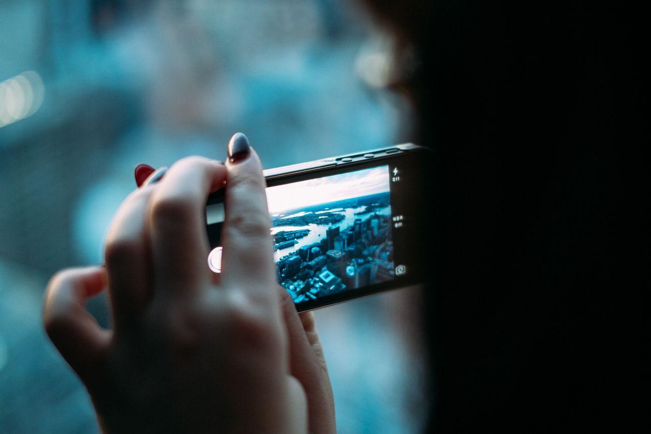Tevestation i Schweiz har ersatt proffskameror med mobiler