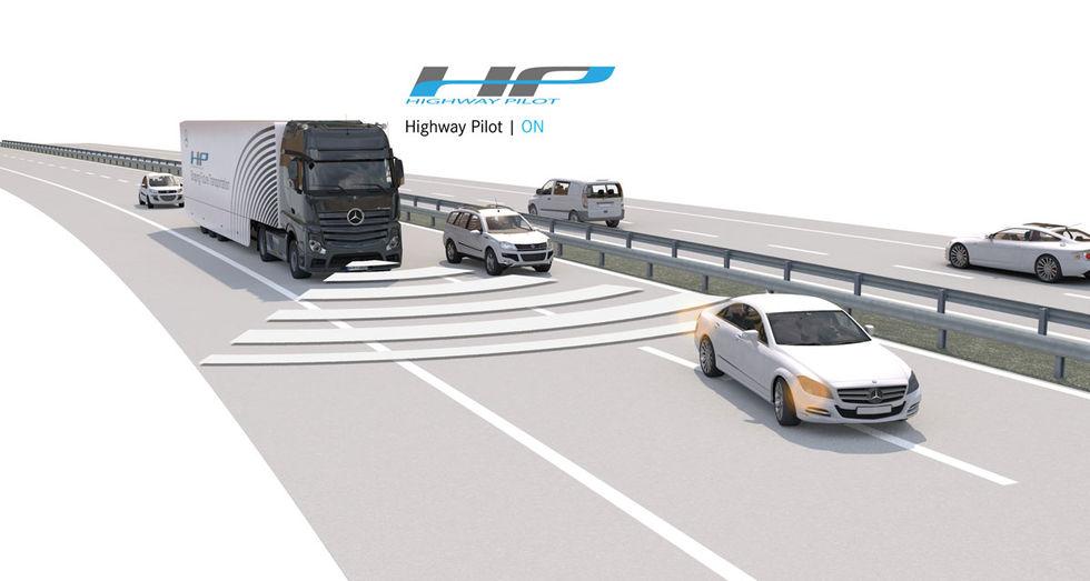 Mercedes börjar köra sin självkörande lastbil