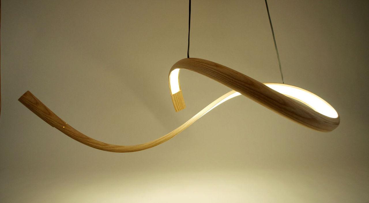 Nya lampor med böljande design. Från designern John Procario