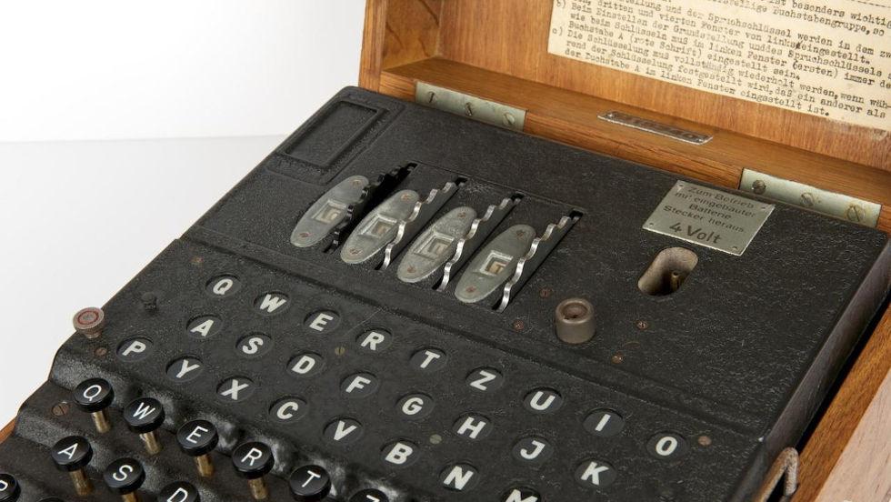Sällsynt Enigma-maskin såld för rekordpris på auktion