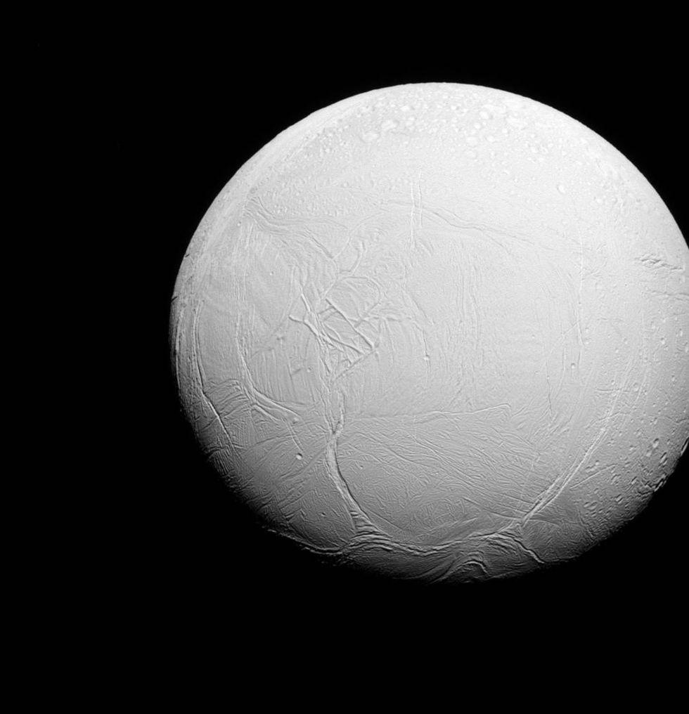 Bild på Enceladus södra hemisfär