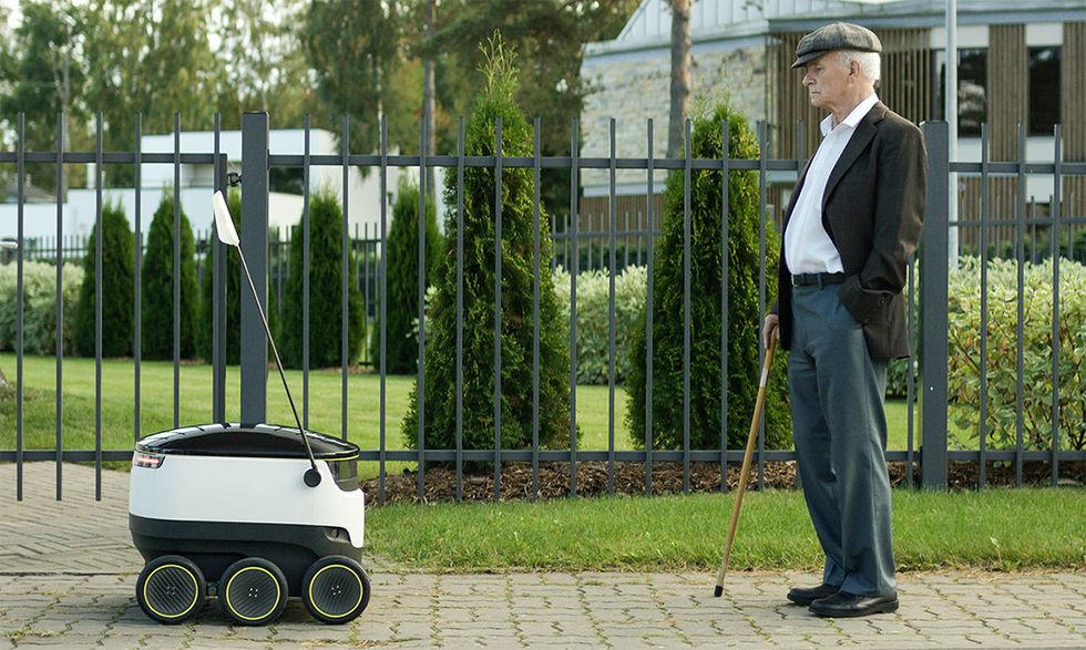 Rullande robot kör hem dina varor