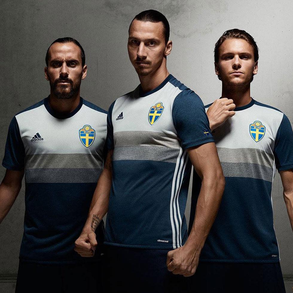 Fotbollslandslagets nya bortaställ