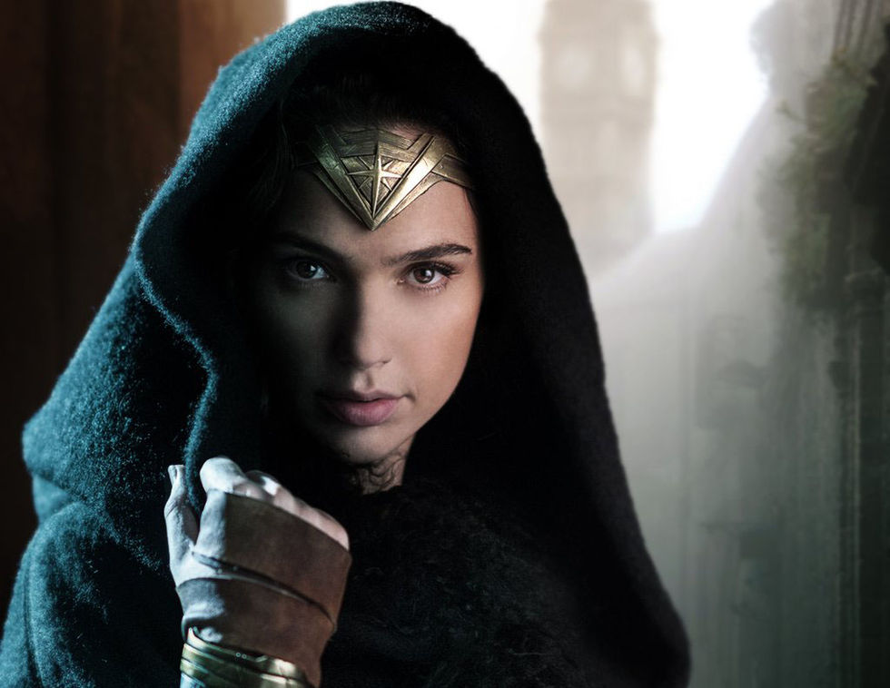 En första titt på Gal Gadot som Wonder Woman