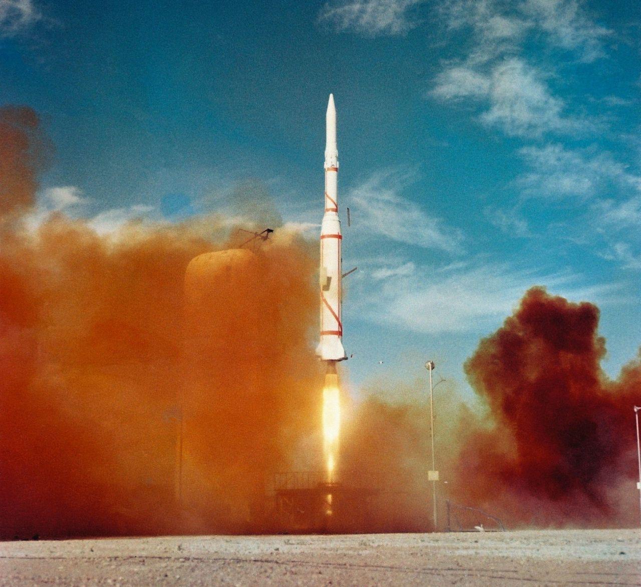 asterix 50 år Tut i luren   50 år sedan Asterix åkte till rymden. Frankrikes  asterix 50 år