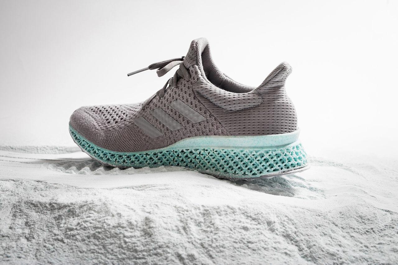 Adidas visar sko tillverkad av skräp från havet