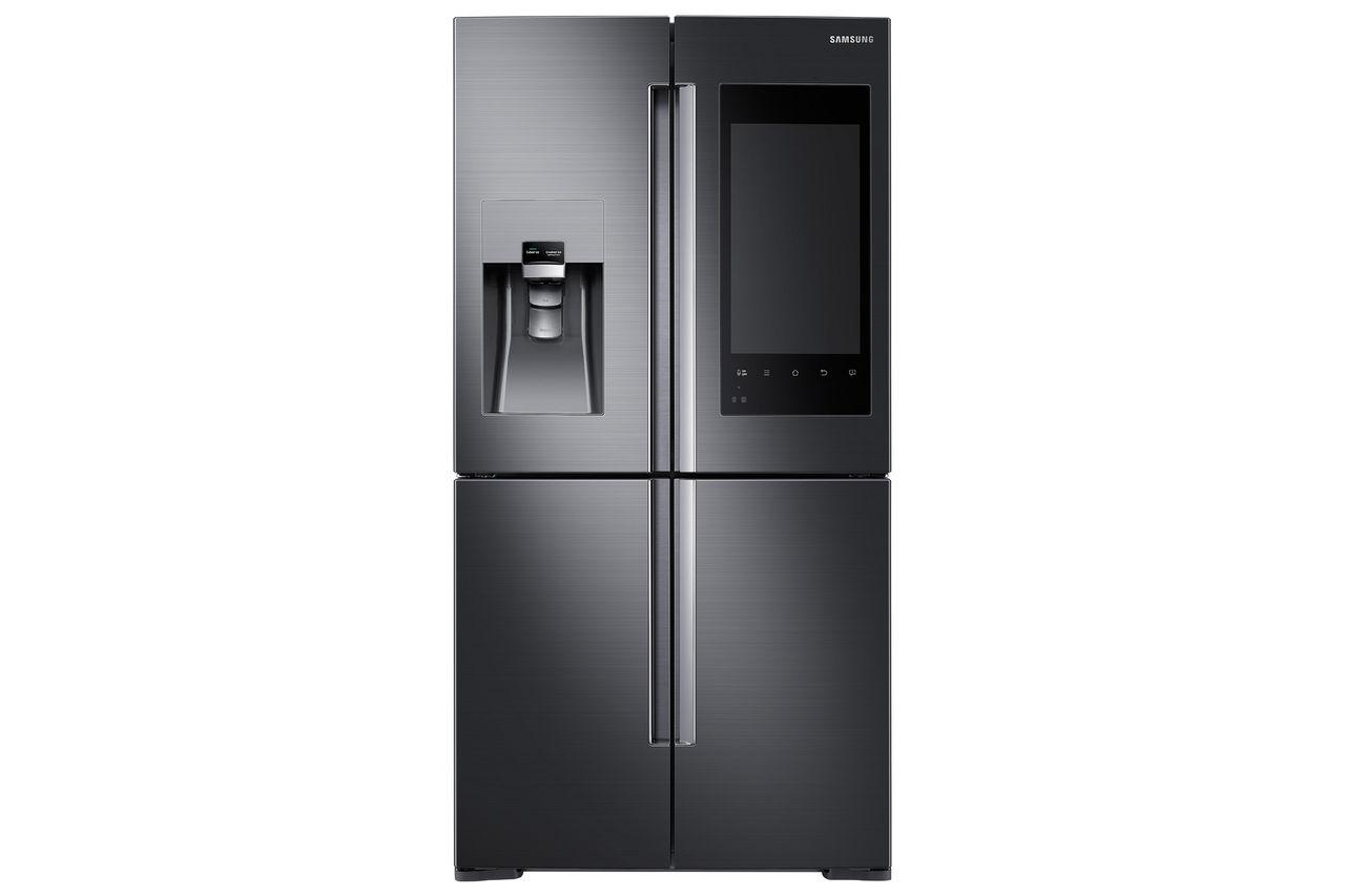 Samsung visar kylskåp med enorm pekskärm