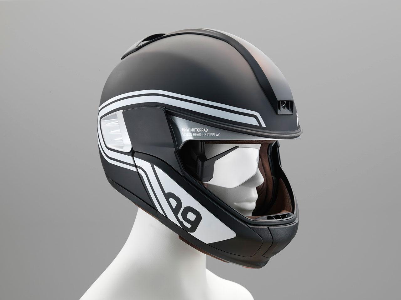 BMW visar motorcykelhjälm med head-up-display