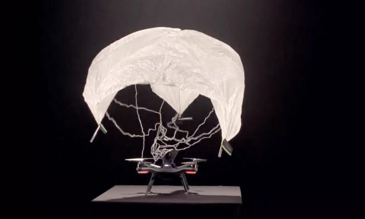 3DR Solo får fallskärm och 360-kamera