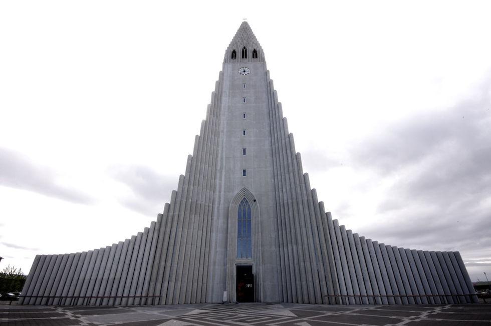 Inga islänningar under 25 år tror att gud skapade jorden