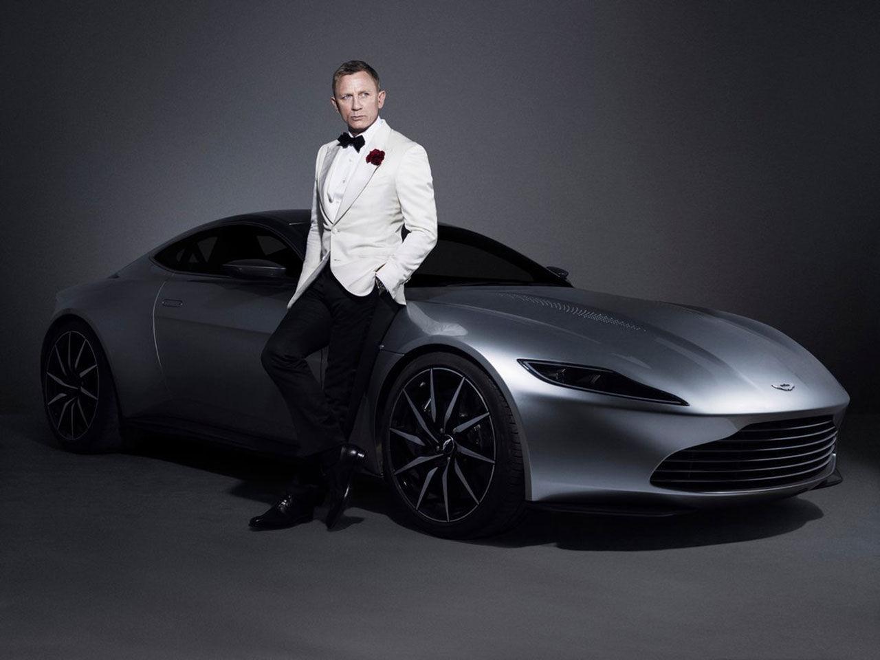 En Aston Martin DB10 gick för 2,4 miljoner pund