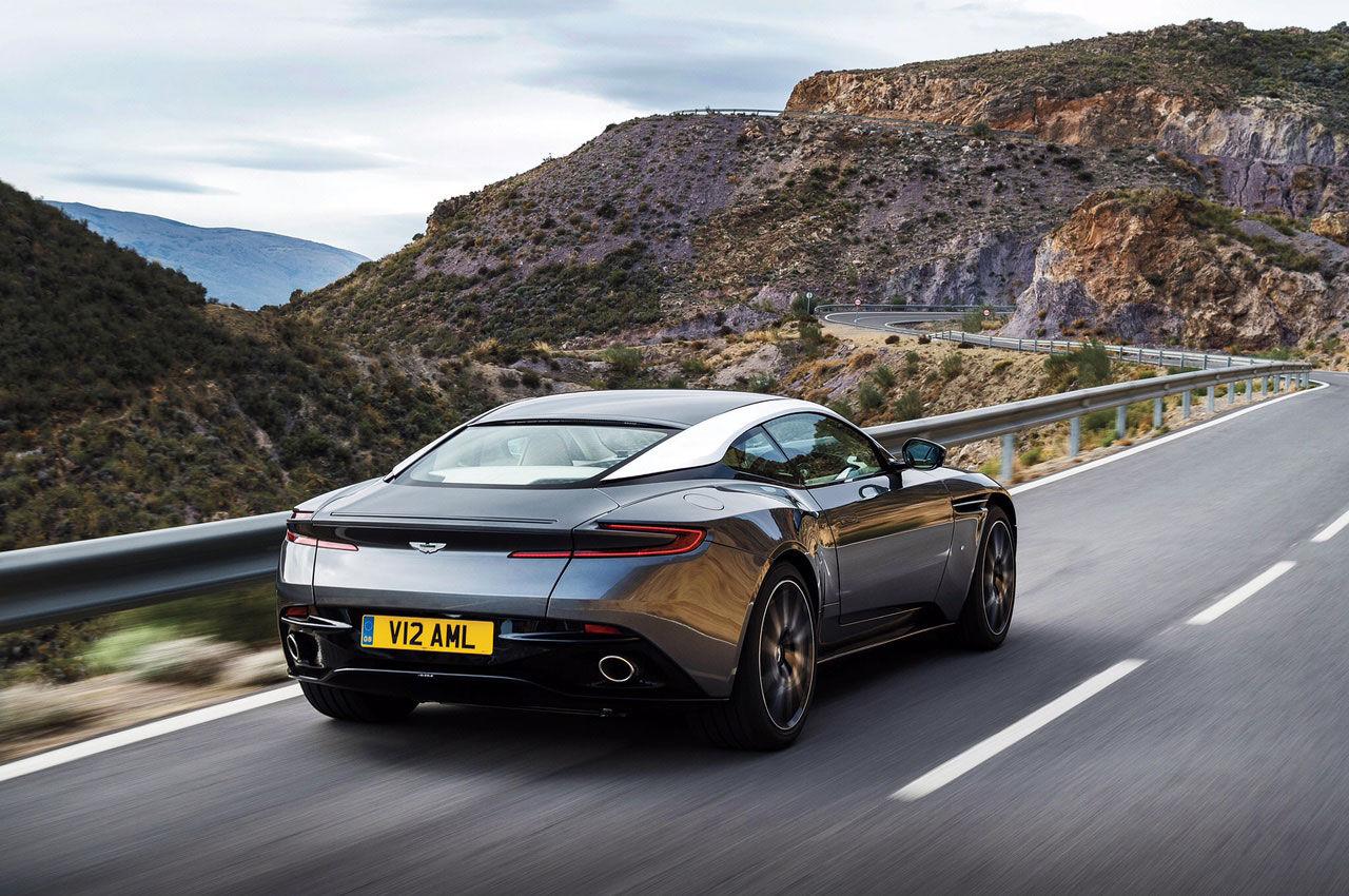 Aston Martin DB11 läcker ut