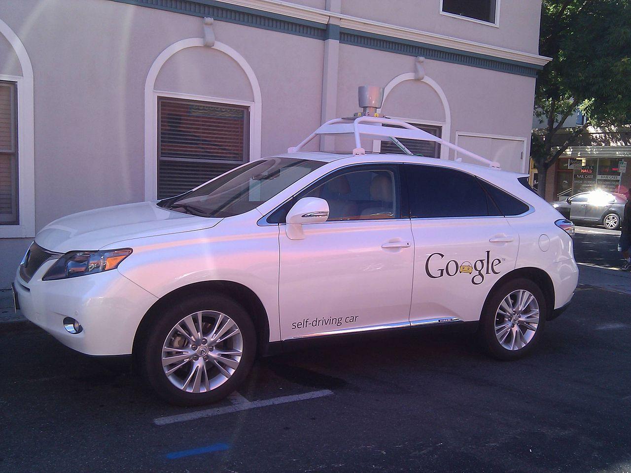 Googles självkörande bil lite ansvarig för en bilolycka