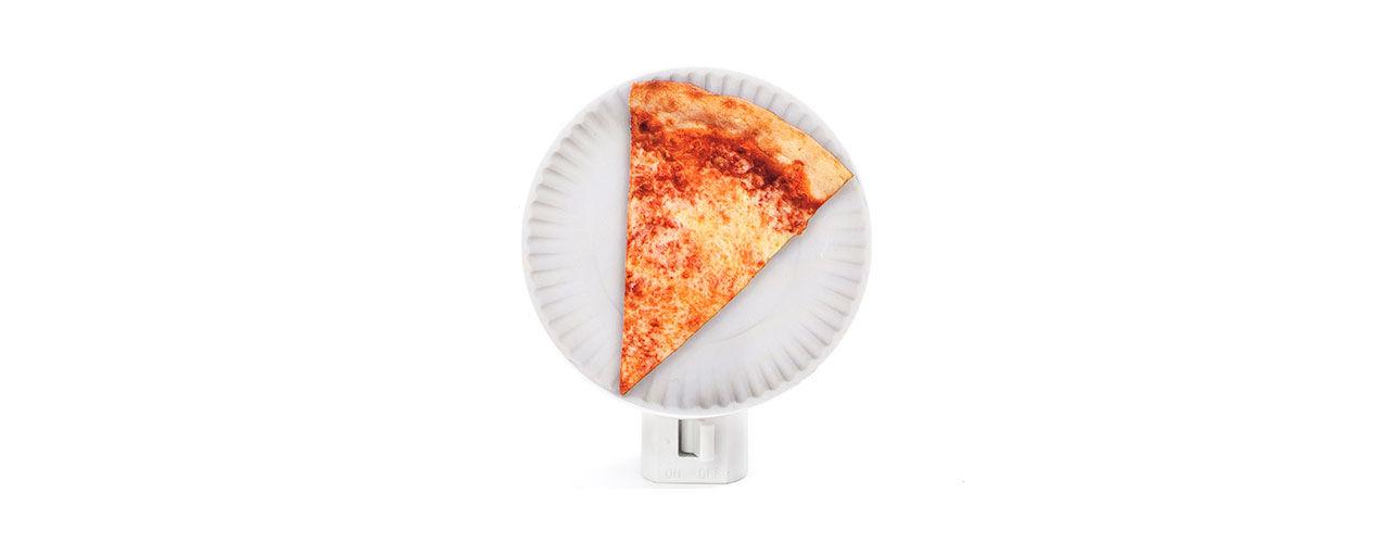 Hitta till toaletten med hjälp av pizzan