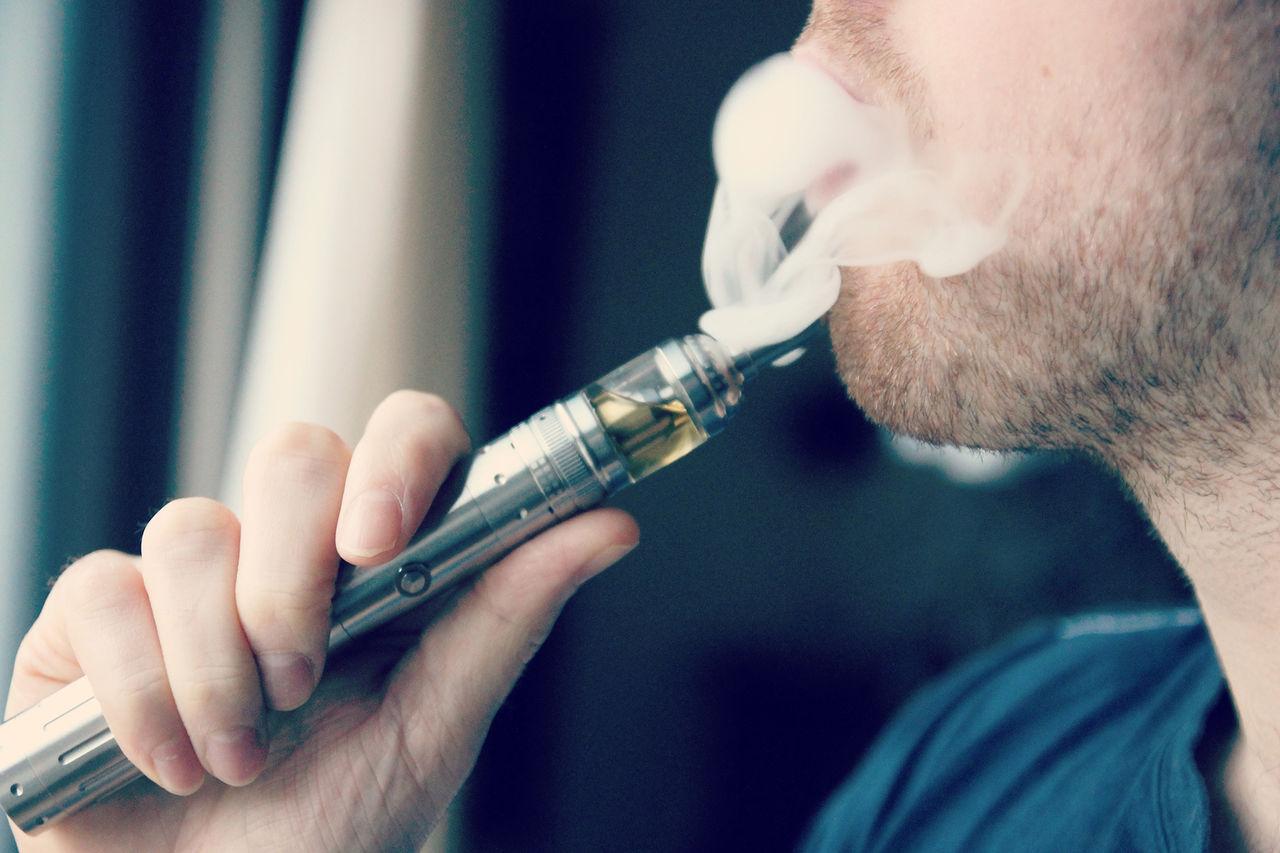 USA förbjuder rökning av e-cigaretter på flygplan