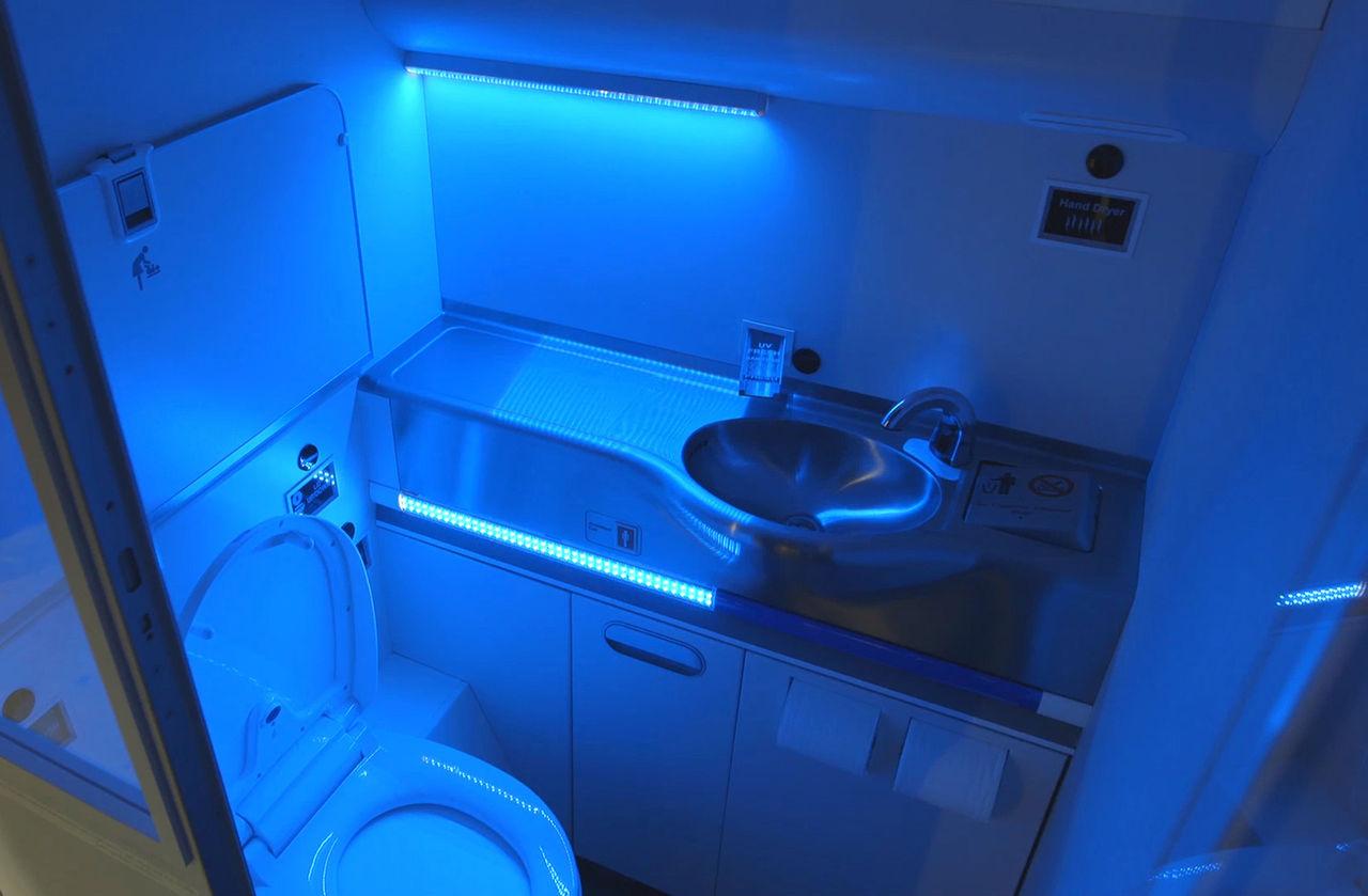 Boeing tar fram självstädande toalett