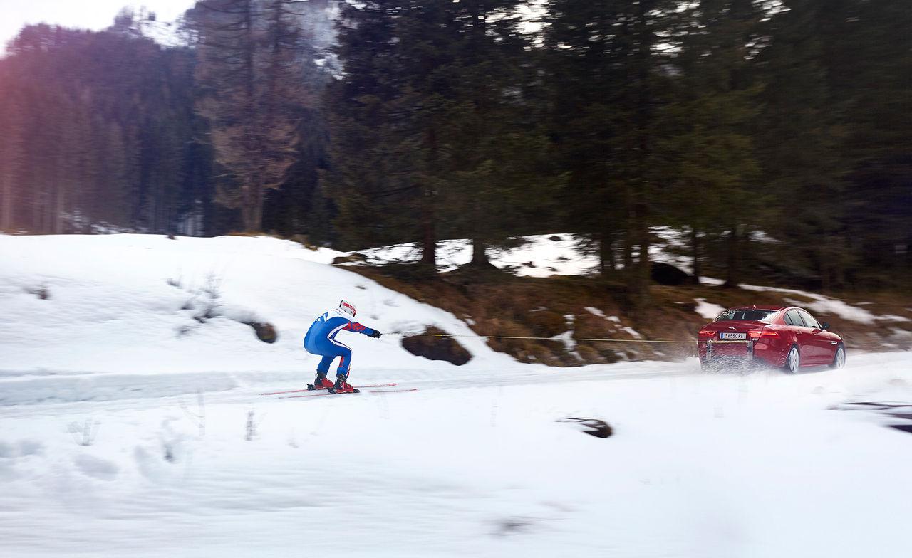 Försök till nytt hastighetsrekord på skidor