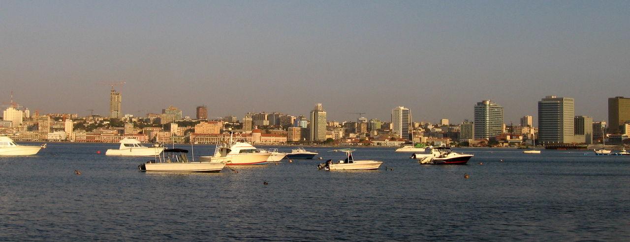 Gratis Facebook och Wikipedia används för piratnedladdning i Angola