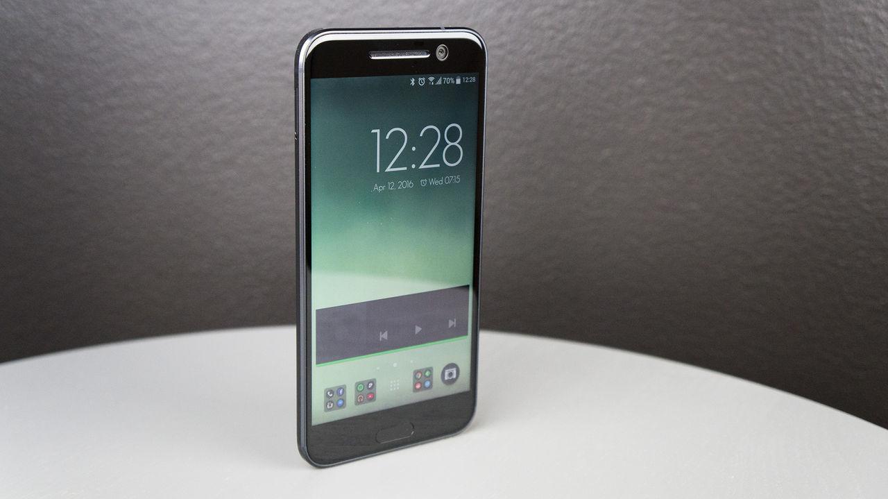 HTC visar upp 10