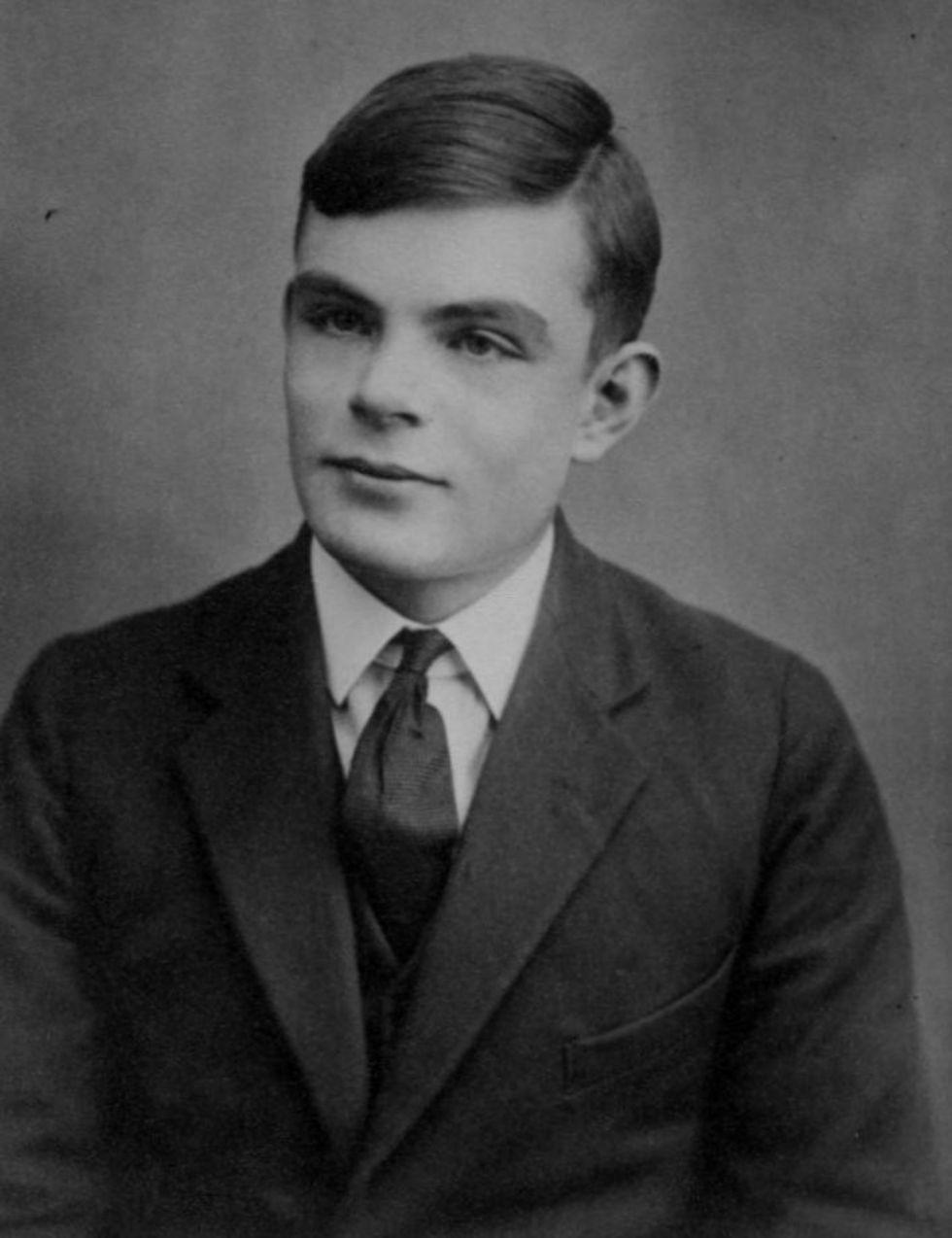 Brittisk spionorganisation ber Alan Turing om ursäkt