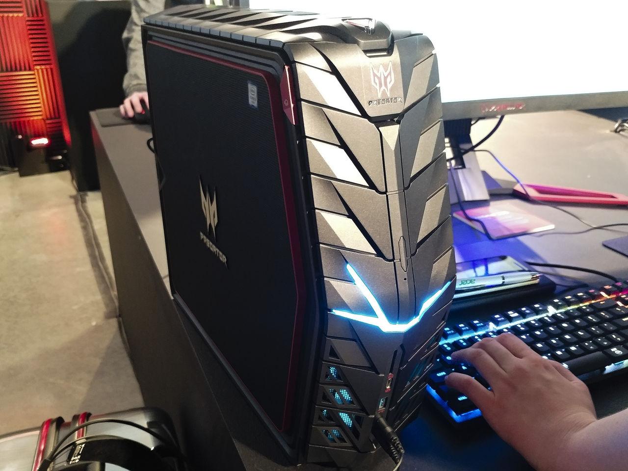 Acer spänner musklerna med Predator G1