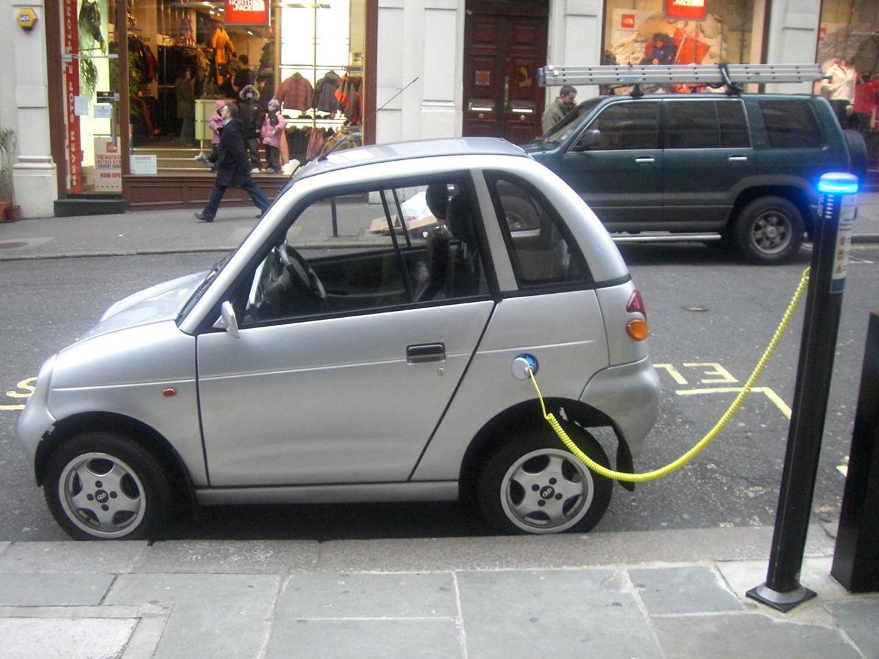 Studie hävdar att elbilar är smutsigare än konventionella bilar